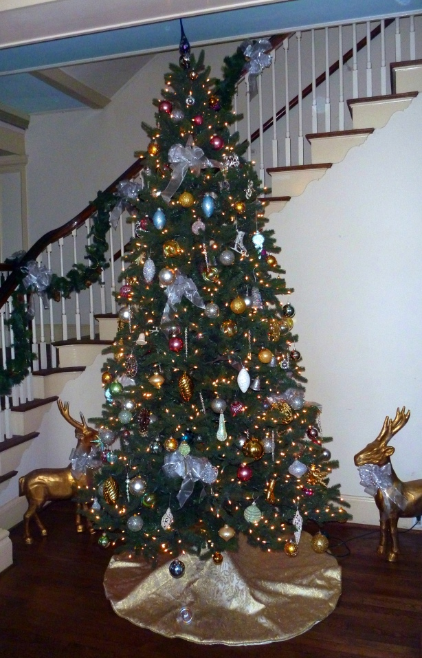 1-UClub Christmas Tree 2012 12 02