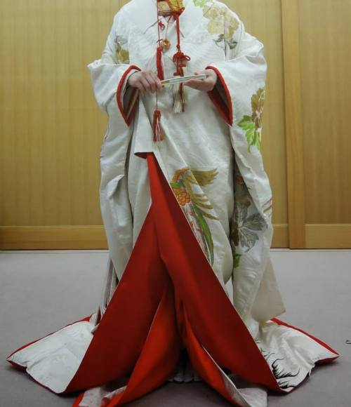 uchikake kimono, Japanese marriage attire